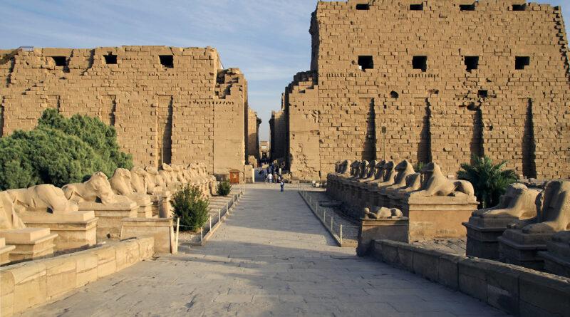 Karnak: cinta di Amon